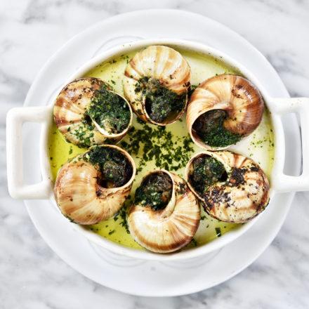 TARTARE · Una buena cocina es el fundamento de la felicidad