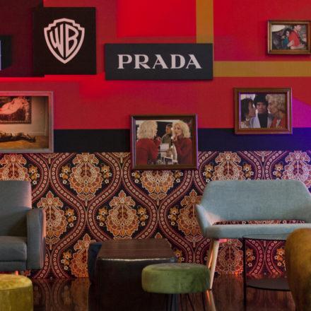 Celebran a Pedro Almodóvar en Italia, Prada & Warner Bros.
