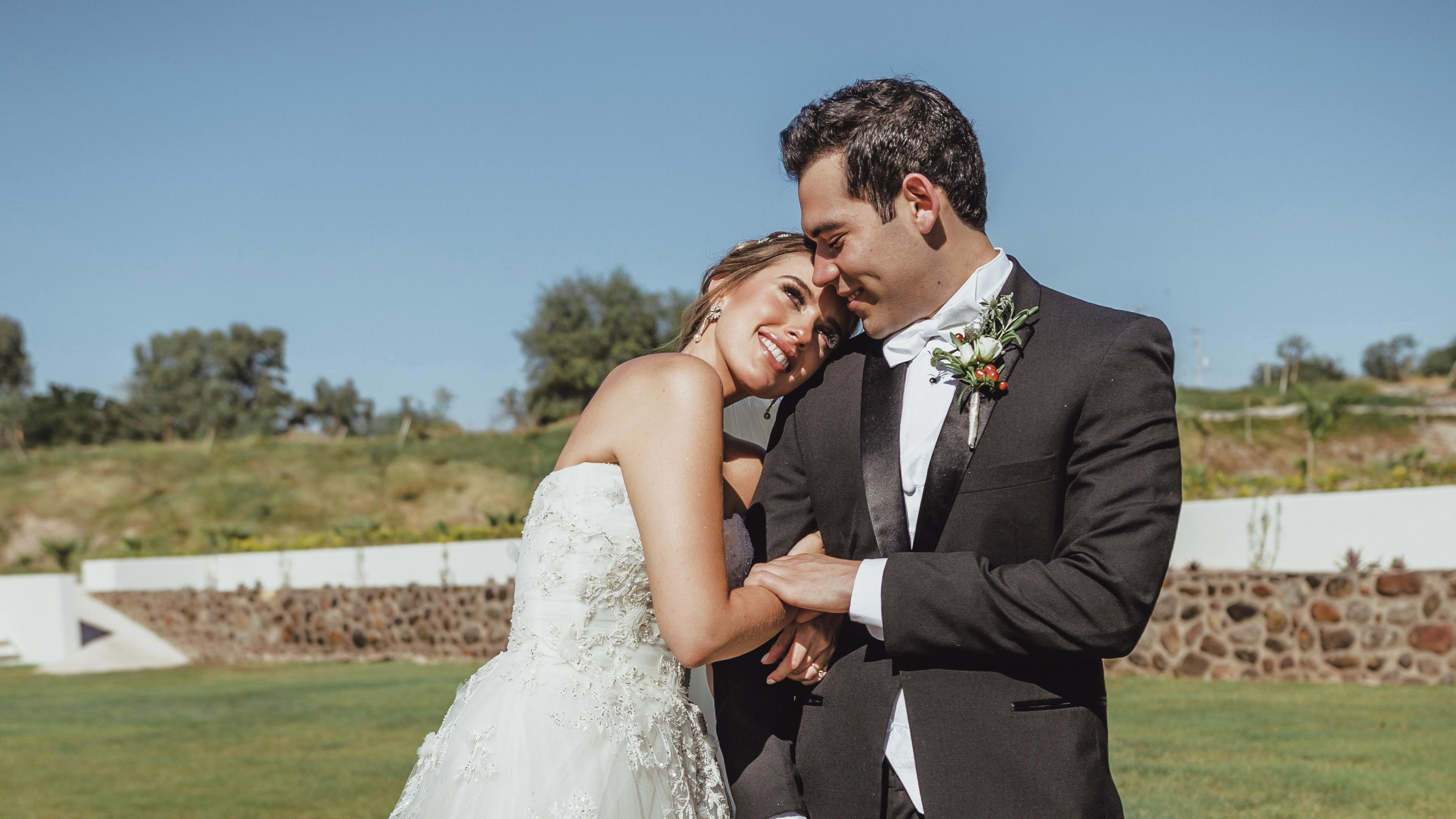 Relevante Boda de Sara Esqueda Urquídes y Guillermo Padrés Dagnino